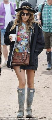 glastonbury-festival-fashion-celebrities-celebrity-2013-millie-mackintosh-katherine-jenkins-hunter-wellies-caroline-flack