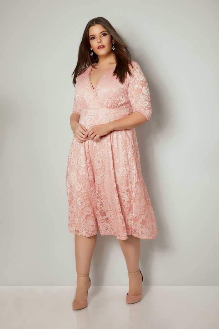 YOURS_LONDON_Pink_Floral_Lace_Wrap_Dress_156325_be9b (3)